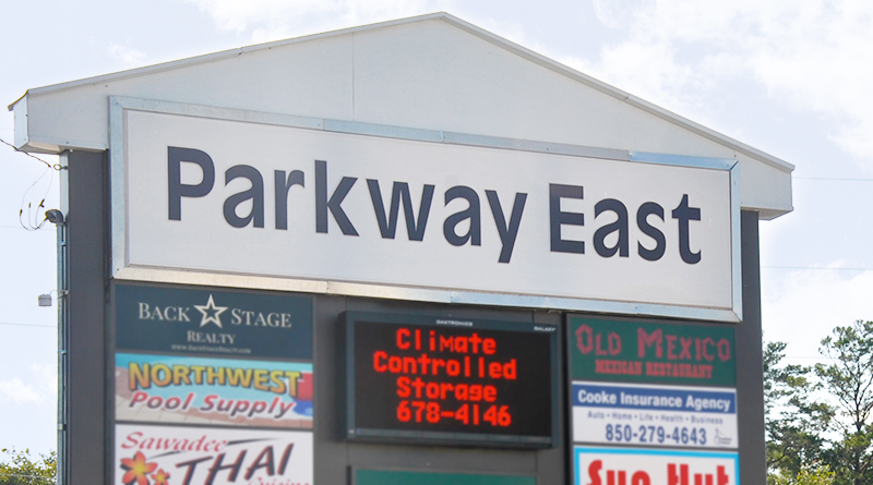 parkway east shopping center in niceville